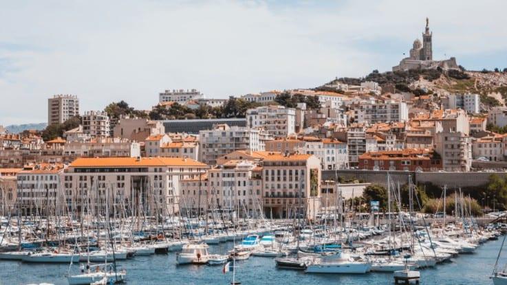 Les quartiers de bureaux à Marseille : où installer son entreprise ?